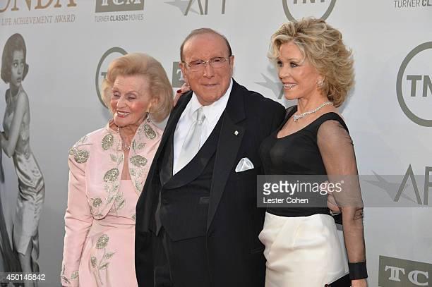 Philanthropist Barbara Davis Chief Creative Officer at Sony Music Entertainment Clive Davis and honoree Jane Fonda attend the 2014 AFI Life...