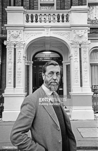 Philanthropist Major Richard Carr-Gomm outside 1-12 Morpeth Mansions on Morpeth Terrace, London, UK, 20th November 1972. He is the founder of the...