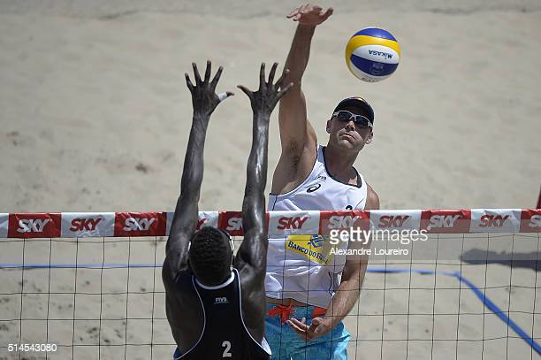 Philip Dalhausser of the United States in action during the game Lucena/Dalhausser vs Jeferson/Cherif in FIVB Beach Volleyball Rio Grand Slam - Day 2...