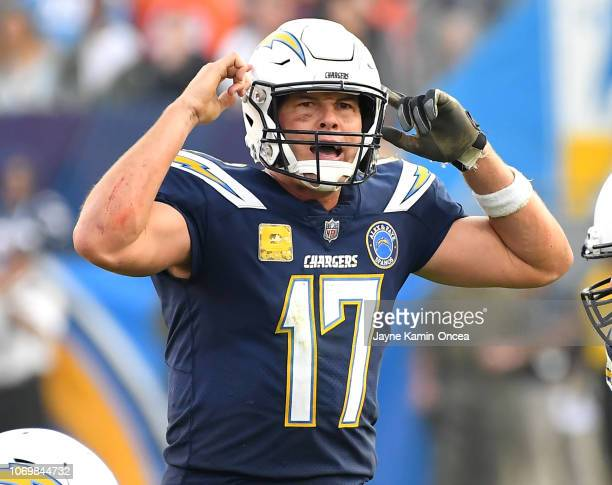 Philip Rivers of the Los Angeles Chargers calls a play in the game against the Denver Broncos at StubHub Center on November 18 2018 in Carson...