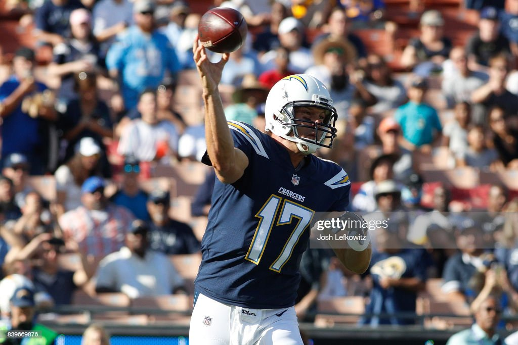 Los Angeles Chargers v Los Angeles Rams : News Photo
