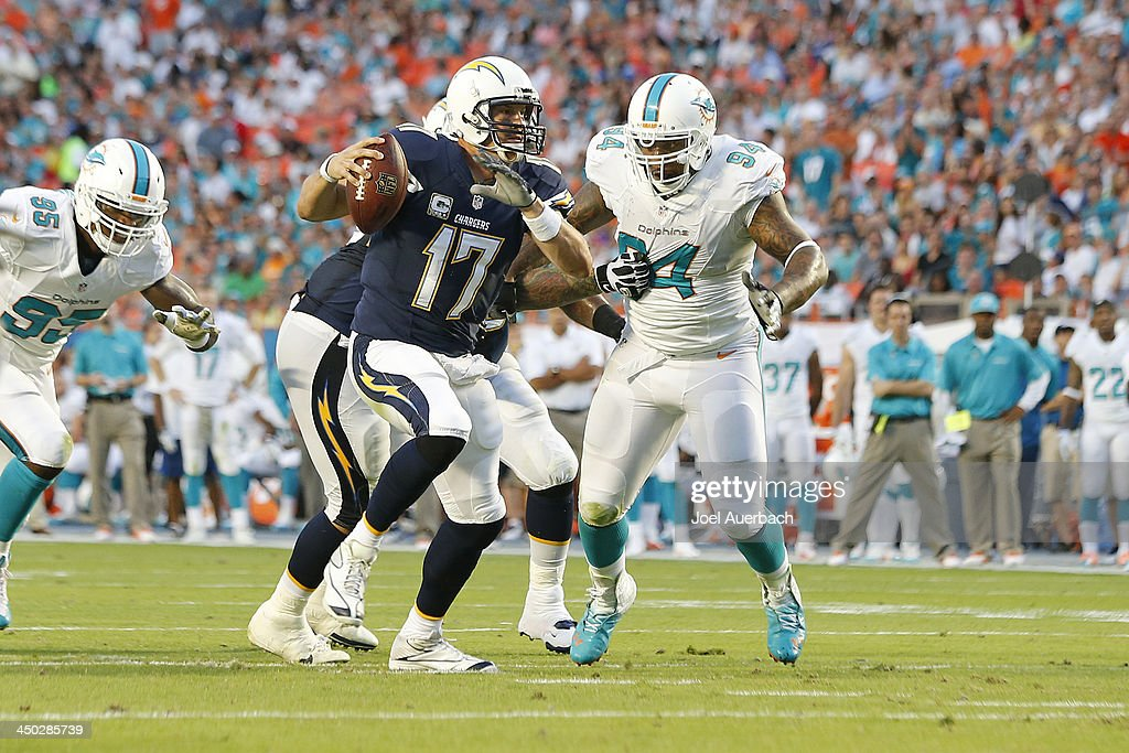 San Diego Chargers v Miami Dolphins : News Photo