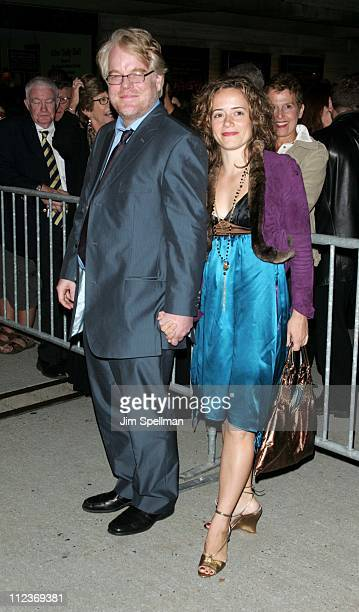 """Philip Seymour Hoffman and girlfriend Mimi during New York Film Festival - """"Capote"""" Premiere - Arrivals at Alice Tully Hall, Lincoln Center in New..."""