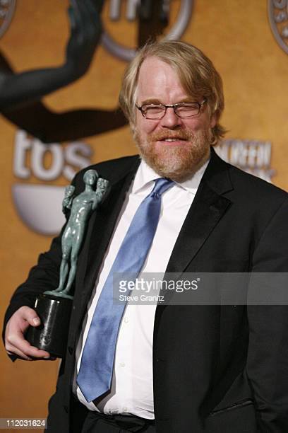 Philip Seymour Hoffman winner of Outstanding Performance by a Male Actor in a Leading Role for Capote 10613_sg951jpg