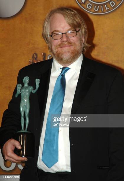 Philip Seymour Hoffman winner of Outstanding Performance by a Male Actor in a Leading Role for Capote