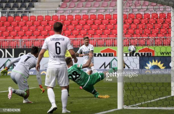 Philip Tuerpitz of Sandhausen scores his sides third goal during the Second Bundesliga match between SV Sandhausen and Hannover 96 at BWTStadion am...