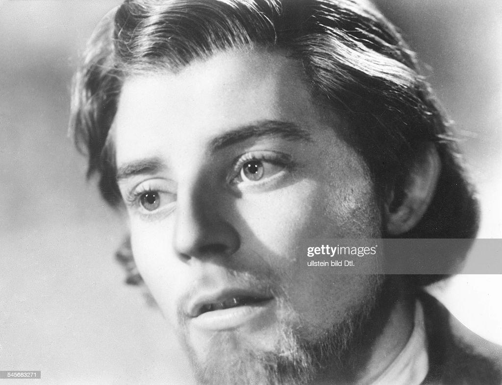 "Philipe, Gérard *04.12.1922-22.11.1959+Actor, Francein the movie ""`L`Idiot""- 1946 : News Photo"