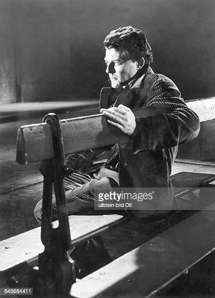 Philipe Gérard *Actor Francein the movie Montparnasse 19 1957