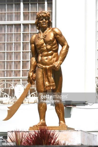 Philipinas, Cebu City. Cebu Island. Statue in front of Cebu Provincial Capitol
