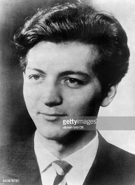 Philipp Held wurde am im April 1962 auf der Flucht an der Sektorengrenze erschossen Seine Leiche wurde in der Spree in Hoehe der Schillingbruecke...