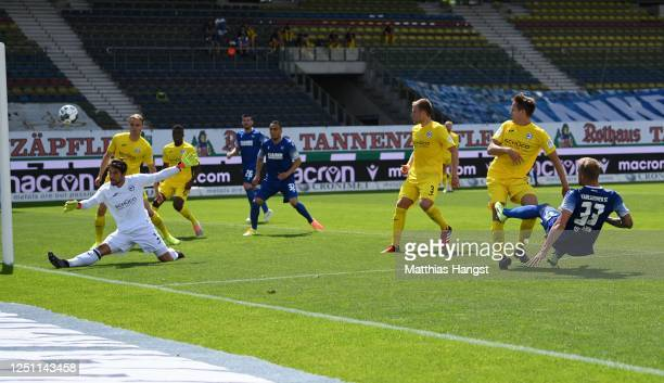 Philipp Hofmann of Karlsruher SC scores a goal during the Second Bundesliga match between Karlsruher SC and DSC Arminia Bielefeld at Wildparkstadion...