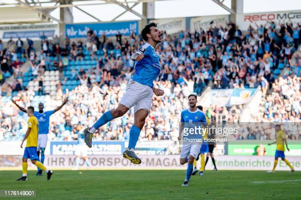 Philipp Hosiner of Chemnitz celebrates after scoring the game winning goal during the 3 Liga match between Chemnitzer FC and FC Carl Zeiss Jena at...