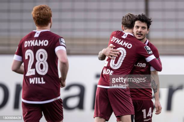 Philipp Hosiner of Dresden celebrates with team mates after scoring his teams third goal during the 3. Liga match between SV Meppen and Dynamo...
