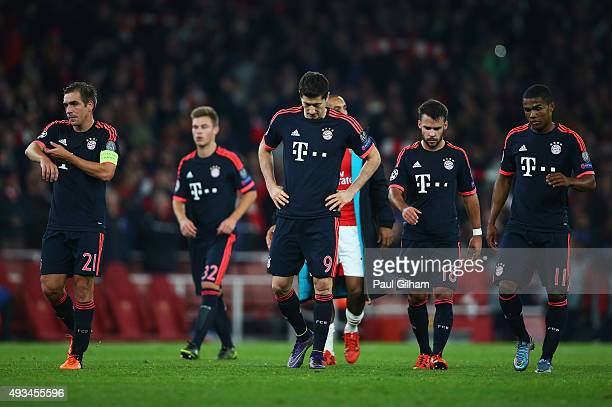 Philipp Lahm Joshua Kimmich Robert Lewandowski Juan Bernat Douglas Costa of Bayern Munich look dejected in defeat after the UEFA Champions League...