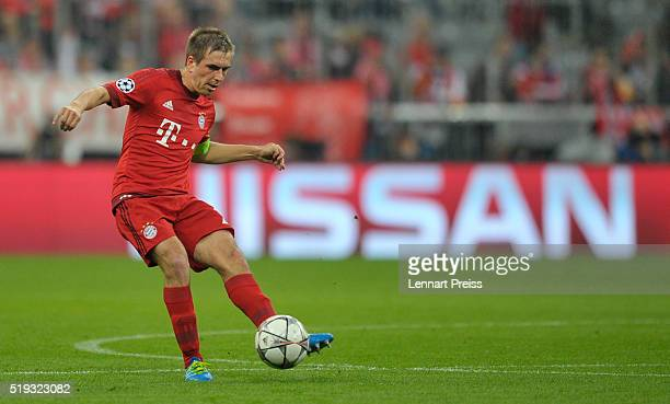 Philipp Lahm of Bayern Muenchen in action during the UEFA Champions League Quarter Final first leg match between FC Bayern Muenchen and SL Benfica at...