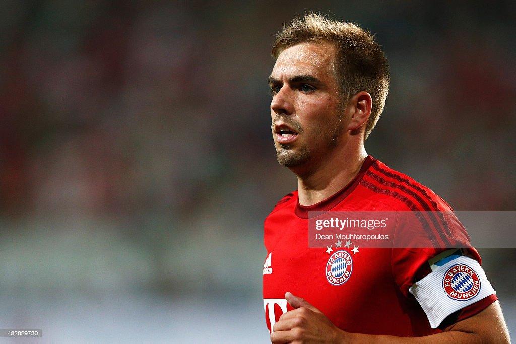 VfL Wolfsburg v FC Bayern Muenchen - DFL Supercup 2015 : News Photo