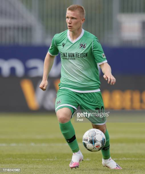 Philipp Ochs of Hannover in action during the Second Bundesliga match between SV Sandhausen and Hannover 96 at BWTStadion am Hardtwald on May 30 2020...