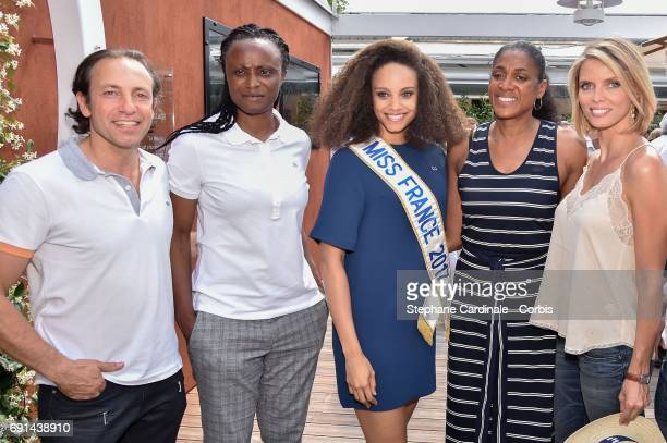 Philippe Candeloro Eunice Barber Miss france 2017 Alicia Aylies MarieJose Perec and Sylvie Tellier attend the 2017 French Tennis Open Day Five at...