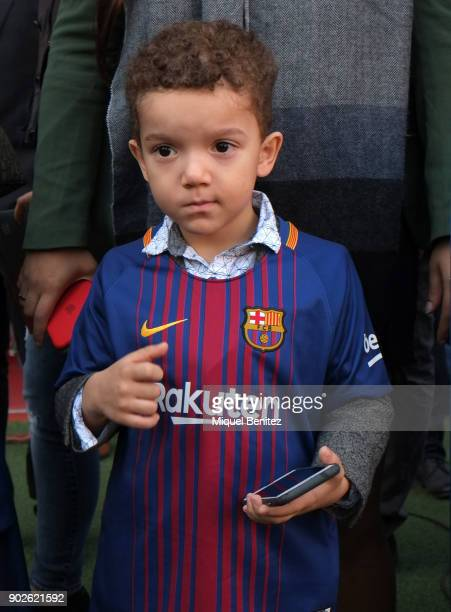 Philippe Coutinho Jr attends the presentation of his husband Philippe Coutinho as Barcelona's new signing at the Nou Camp on January 8 2018 in...