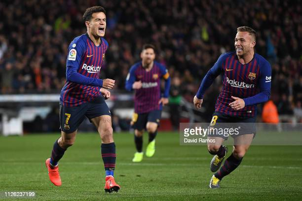 Philippe Coutinho of Barcelona celebrates scoring the opening goal from a penalty alongside Arthur during the Copa del Rey Quarter Final second leg...