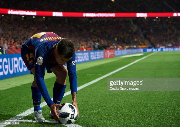 Philippe Coutinho of Barcelona in action during the Spanish Copa del Rey Final match between Barcelona and Sevilla at Wanda Metropolitano on April 21...