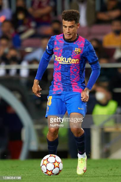 Philippe Coutinho of Barcelona in action during the UEFA Champions League group E match between FC Barcelona and Dinamo Kiev at Camp Nou on October...