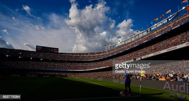 Philippe Coutinho of Barcelona looks on during the La Liga match between Barcelona and Athletic Club at Camp Nou on March 18 2018 in Barcelona Spain
