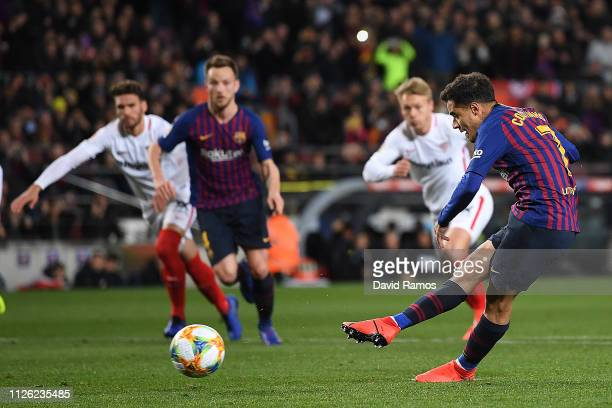 Philippe Coutinho of Barcelona scores the opening goal from a penalty during the Copa del Rey Quarter Final second leg match between FC Barcelona and...