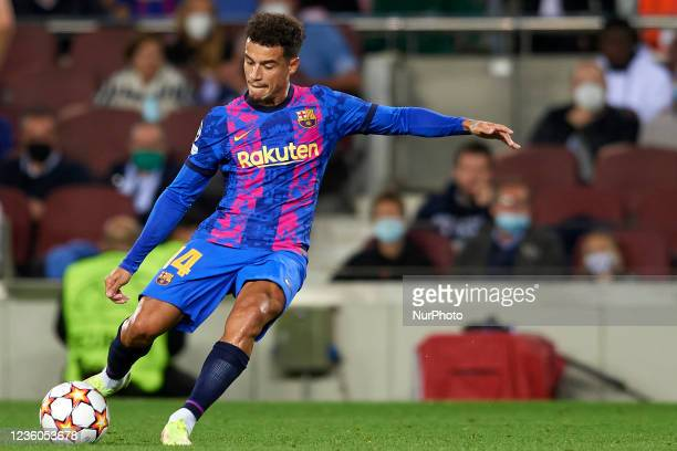 Philippe Coutinho of Barcelona shooting to goal during the UEFA Champions League group E match between FC Barcelona and Dinamo Kiev at Camp Nou on...
