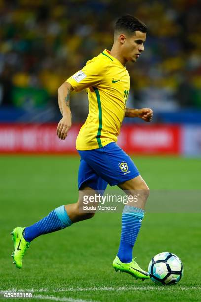 Philippe Coutinho of Brazil controls the ball during a match between Brazil and Paraguay as part of 2018 FIFA World Cup Russia Qualifier at Arena...