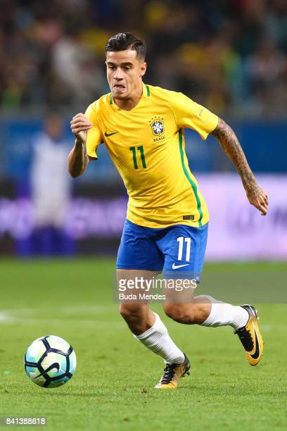 Philippe Coutinho of Brazil controls the ball during a match between Brazil and Ecuador as part of 2018 FIFA World Cup Russia Qualifier at Arena do...