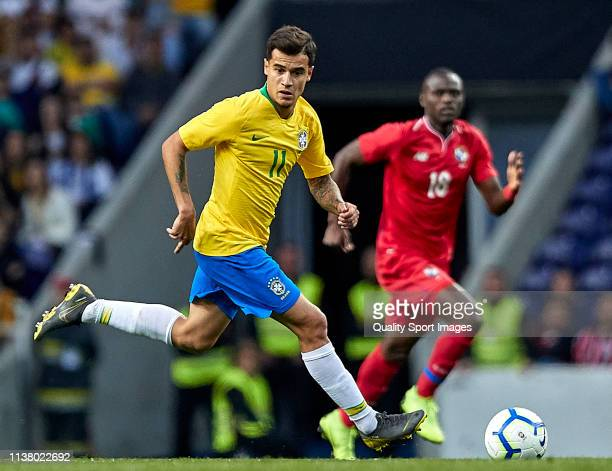 Philippe Coutinho of Brazil in action during the International Friendly match between Brazil and Panama at Estadio do Dragao on March 23 2019 in...