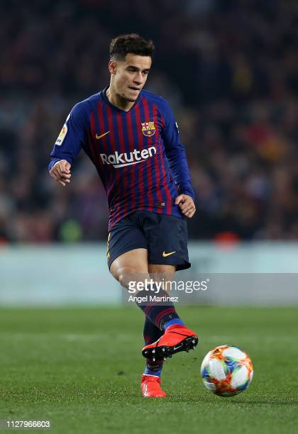 Philippe Coutinho of FC Barcelona in action during the Copa del Rey Semi Final match between FC Barcelona and Real Madrid at Nou Camp on February 06...