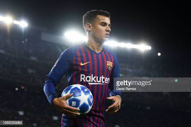 Philippe Coutinho of FC Barcelona looks on during the Group B match of the UEFA Champions League between FC Barcelona and FC Internazionale at Camp...