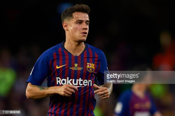 Philippe Coutinho of FC Barcelona looks on during the Spanish Copa del Rey Final match between Barcelona and Valencia at Estadio Benito Villamarin on...