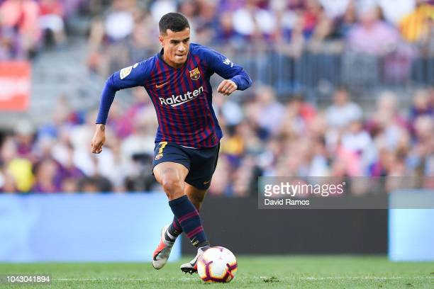 Philippe Coutinho of FC Barcelona runs with the ball during the La Liga match between FC Barcelona and Athletic Club at Camp Nou on September 29,...