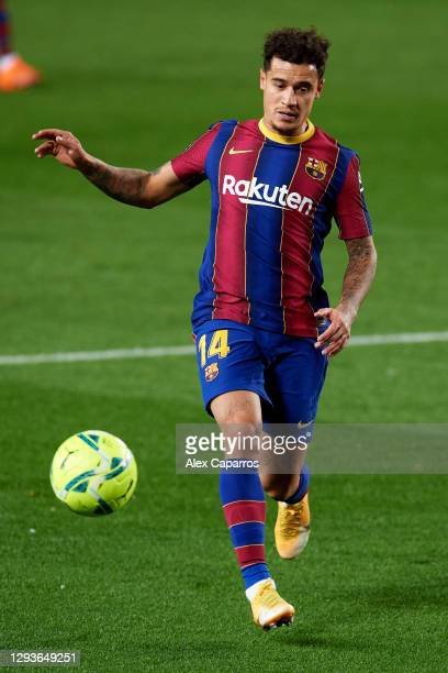 Philippe Coutinho of FC Barcelona runs with the ball during the La Liga Santander match between FC Barcelona and SD Eibar at Camp Nou on December 29,...
