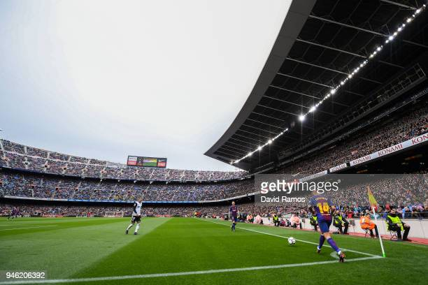 Philippe Coutinho of FC Barcelona takes a corner kick during the La Liga match between Barcelona and Valencia at Camp Nou on April 14 2018 in...