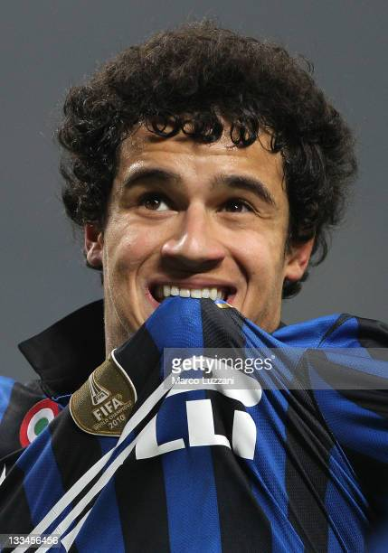 Philippe Coutinho of FC Internazionale Milano celebrates his goal during the Serie A match between FC Internazionale Milano and Cagliari Calcio at...