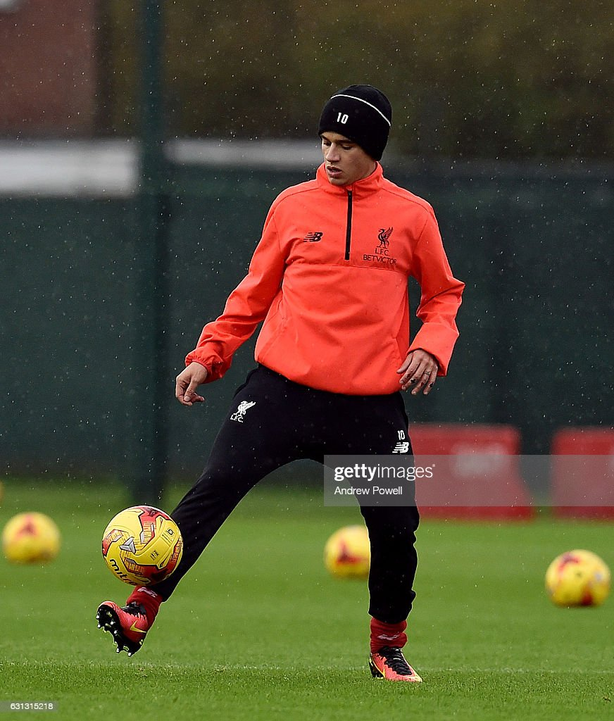 Liverpool Training Session Photos And Images Getty Images - Coutinho hairstyle 2015