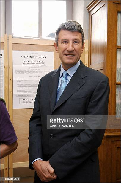 Philippe de Villiers votes in the French Referendum on the European Constitution In Les Herbiers France On May 29 2005Philippe de Villiers