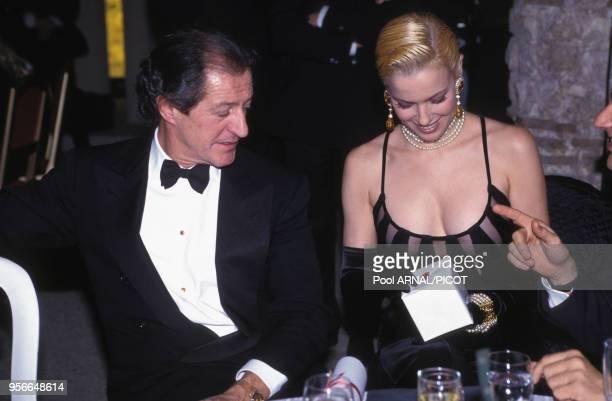 Philippe Junot et Clarissa Burt lors d'une soirée à Paris en décembre 1992, France.