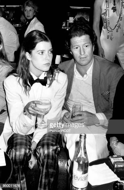 Philippe Junot et la princesse Caroline de Monaco lors de l'open de tennis de Monte Carlo, en avril 1980, Monaco.