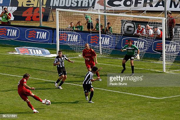 Philippe Mexes of AS Roma scores the goal during the Serie A match between AC Siena v AS Roma at Artemio Franchi Mps Arena on September 13 2009 in...