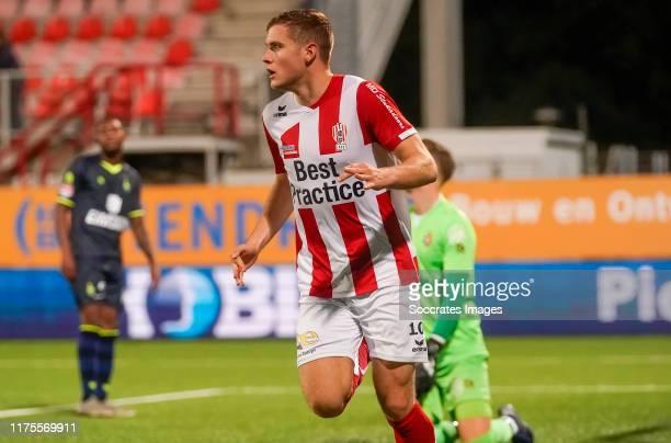 Philippe Rommens of TOP Oss celebrates 2-1 during the Dutch Keuken Kampioen Divisie match between TOP Oss v Telstar at the Frans Heesen Stadium on...