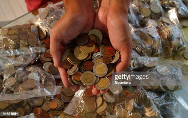 60 Top Philippines Currency Pictures, Photos, & Images