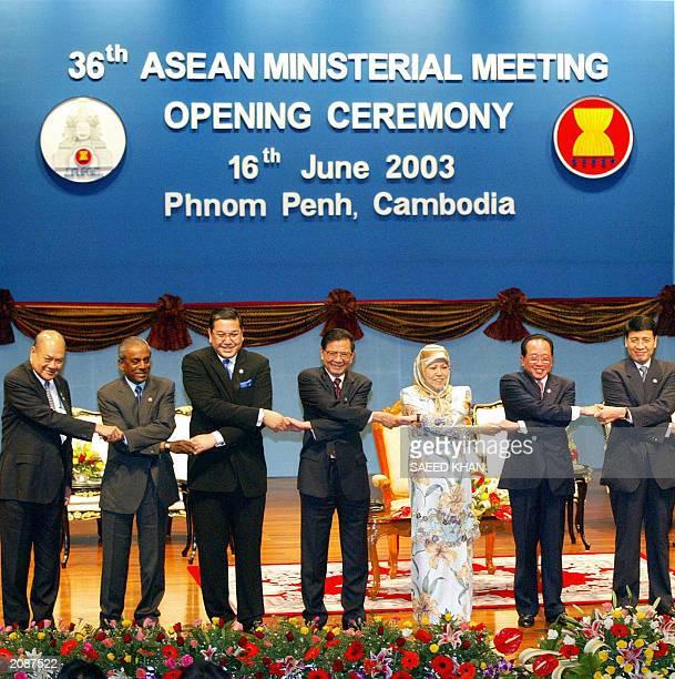 Philippine Foreign Minister Blas Ople Singapore Foreign Minister S Jayakumar Thai Foreign Minister Surakiart Sathirathai Vietnam's Foreign Minister...