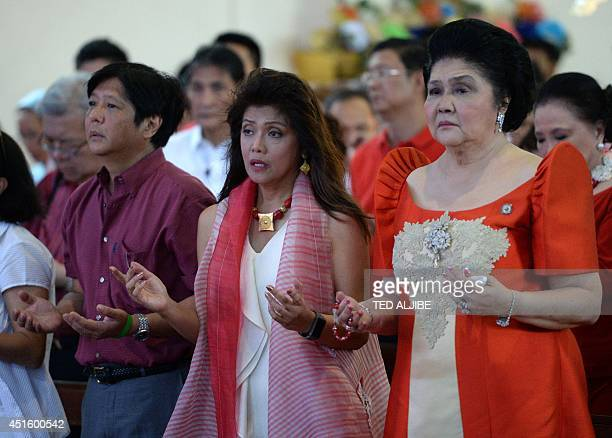 Philippine former first lady and now congresswoman Imelda Marcos her daughter governor Imee Marcos and her son senator Ferdinand Marcos Jr attend...