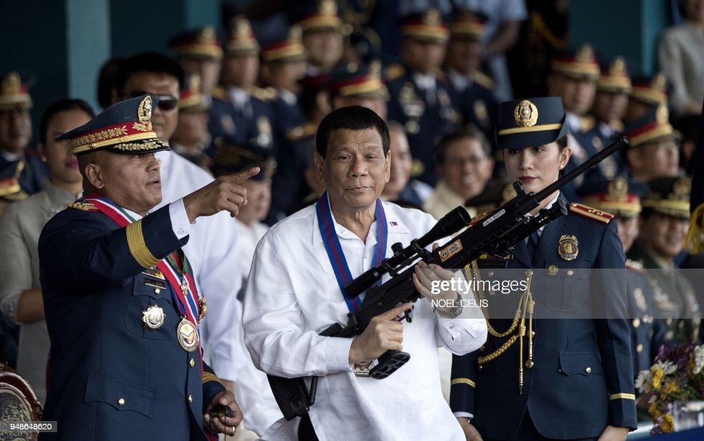 TOPSHOT-PHILIPPINES-POLITICS : Photo d'actualité