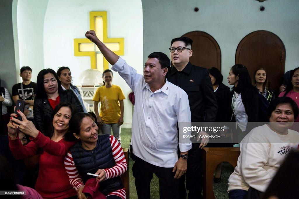 HONG KONG-PHILIPPINES-NKOREA-IMPERSONATOR : News Photo